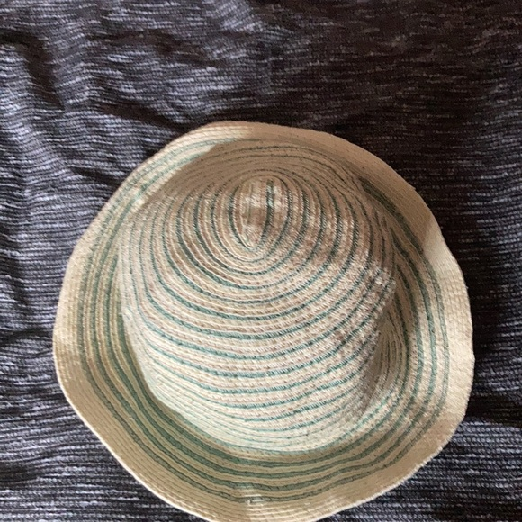 Straw hat green and cream